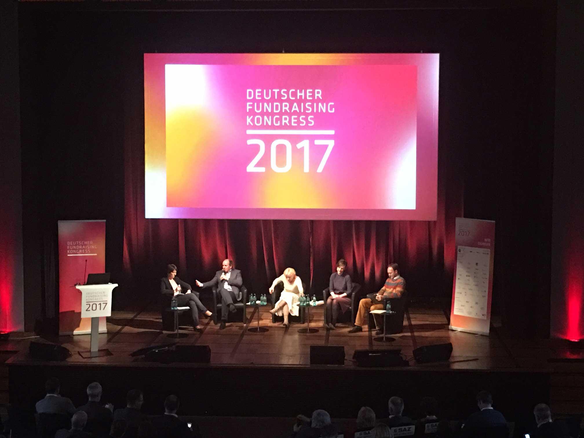 Podium auf dem Deutschen Fundraising Kongress 2017